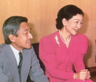 1984年銀婚式の美智子様.
