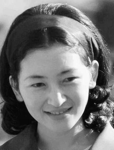 美智子様若い時