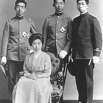 大正天皇とご成婚された貞明皇后が4人も男子を儲けた。