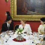秋篠宮ご夫妻チリとの外交関係樹立120周年式典と紀子さまのお着物