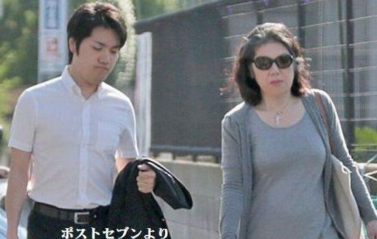 これは、秋篠宮家で奥野法律事務所にお金を出して世間のほとぼりが醒めるまで渡米させて、2、3年後に帰国。 その後、眞子さまと結婚させる、留学費用は秋篠宮家