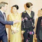 批判の多い秋篠宮ご夫妻は新天皇皇后を支える必要無し、新天皇皇后2人で精力的に活動すべきです。