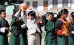 追加悠仁さまのインタビュー動画 悠仁さま公立学校を訪問 同年代の生徒と交流 秋篠宮殿下とお揃いスーツ