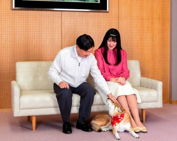 愛子さま18才誕生日愛犬由莉と