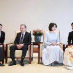 天皇皇后両陛下ウズベキスタンの大統領夫妻と会見、皇族方も同席し昼食会 雅子さま着物で他皇族方も着物でした。