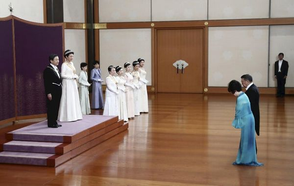 新年祝賀の儀* 天皇陛下四方拝に臨まれる     これでいいのだ日記part2