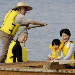 悠仁さま卓球部に所属 上皇陛下(おじいちゃん)と卓球を楽しんだり和船に乗ったり