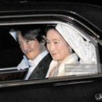 立皇嗣の礼を終え皇居で祝賀行事 * 上皇上皇后陛下へ挨拶に向かう秋篠宮ご夫妻